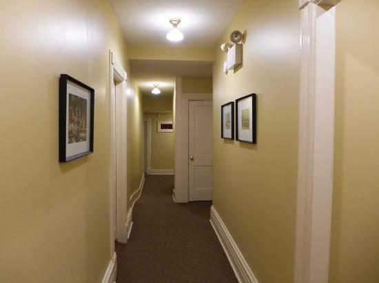 George Carroll House: Hallway