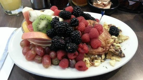Healthy Breakfast - Picture of Hollywood Cafe, San Francisco ...