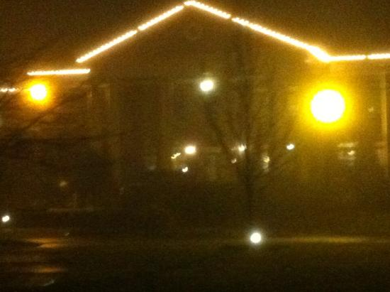McMenamins Grand Lodge: Foggy night that brought us in