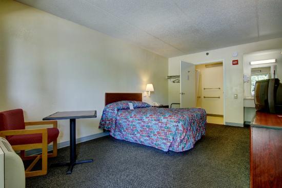 Motel 6 Atlanta - Chamblee Tucker : Guest Room