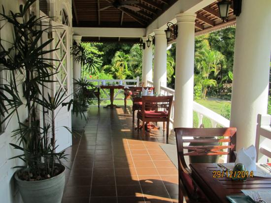 La Belle Epoque at The Luang Say Residence : restaurant exterior