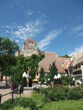 Saint-Romain, Kanada: O castelo Frontenac no alto da montanha