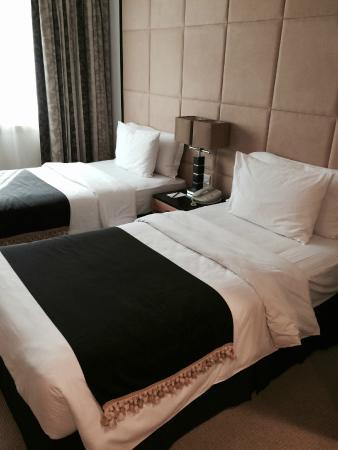 Savoy Suites Hotel Apartments: Спальня