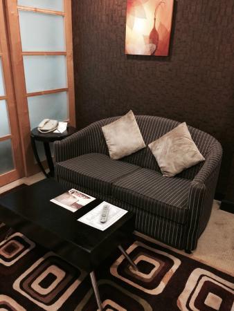 Savoy Suites Hotel Apartments: Гостиная