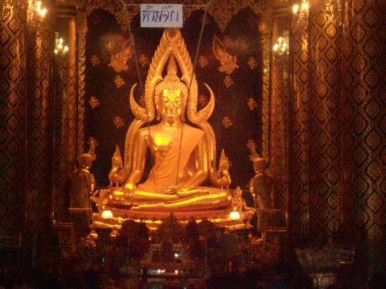 Imagem de Buda: fotografía de Phra Si Ratana Temple (Wat Yai), Phitsanulok - ...