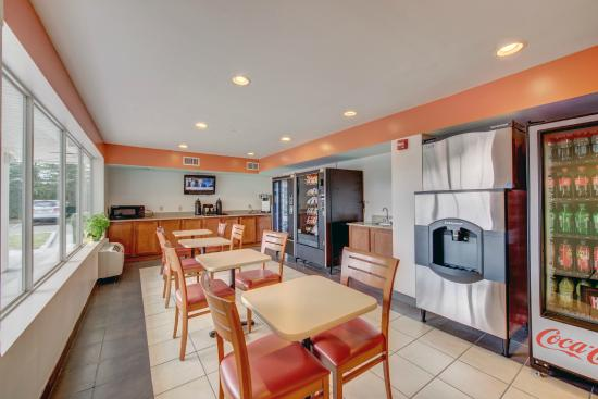 Motel 6 Virginia Beach: Vending