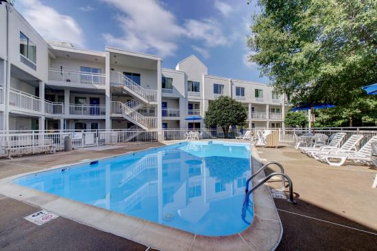 Motel 6 Virginia Beach: Pool