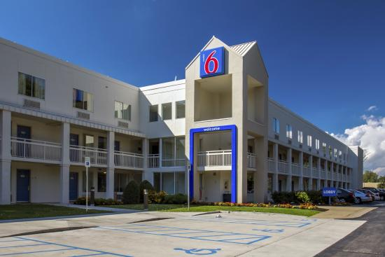 Motel 6 Buffalo Airport