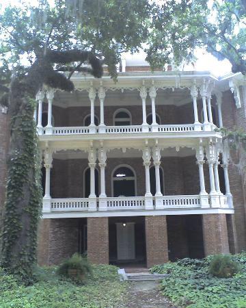 Natchez Pilgrimage Tours Day Tours: Longwood House
