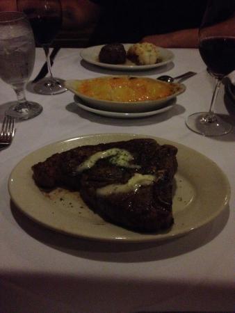 Ruth's Chris Steak House: T-bond et surf & turf (langouste)