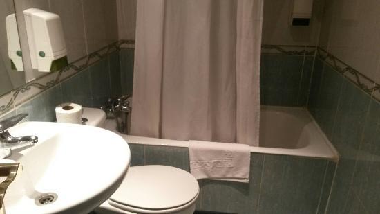 Hotel Madrisol : Banyo ve Tuvalet
