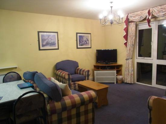Killarney Haven Apartments: リビングダイニング