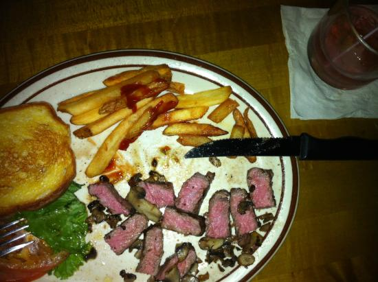 Mitchell Street Pub & Cafe: Perfect NY Strip - Medium Rare w/Mushrooms