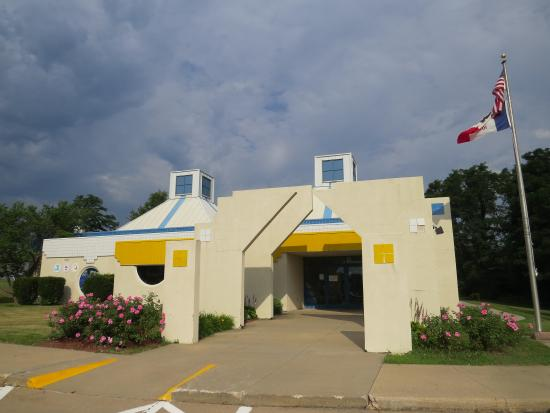 ‪National Balloon Museum / U.S. Ballooning Hall of Fame‬