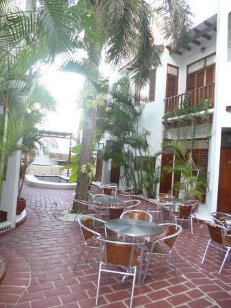 Hotel Boutique el Zaguan: Patio y piletita