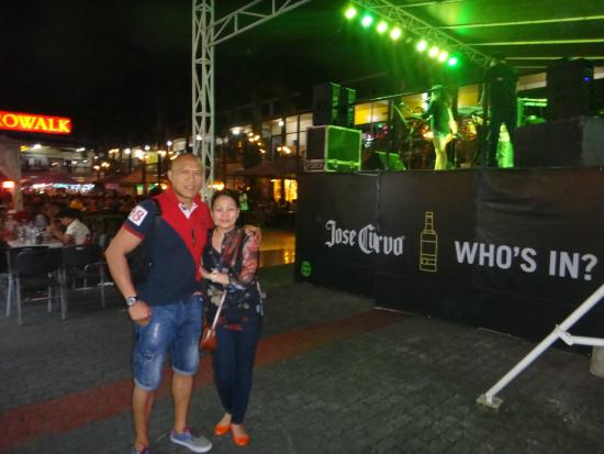 A Night @ Metrowalk | Pinoy Alert !