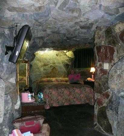 Madonna Inn: Rock Bottom Room
