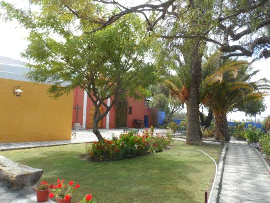Foto de la mansion del fundador arequipa bonitos for Fotos jardines exteriores