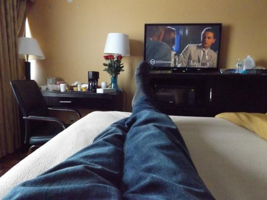 Ramada Rochelle Park Near Paramus: Feet up, remote in hand!