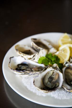 Hotel Bruny Bistro : Amazing freshly shucked Natural Oysters