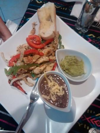 Caribbean Brisas: Chicken fajitas
