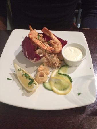 Il Sorriso: Seafood mix starter, highly recommend