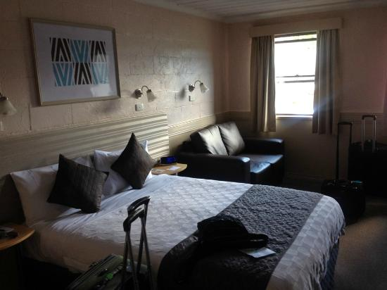 Balmoral on York : Queen bed