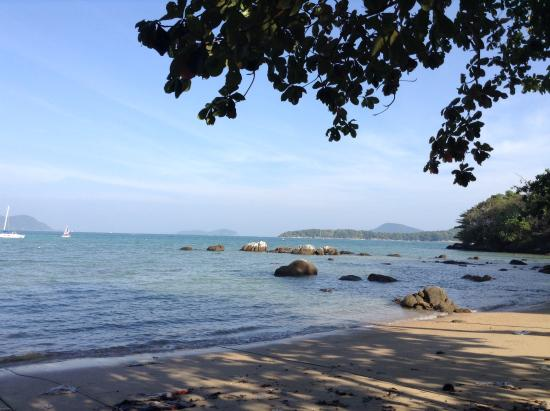 Paradise Beach Bar: on the beach
