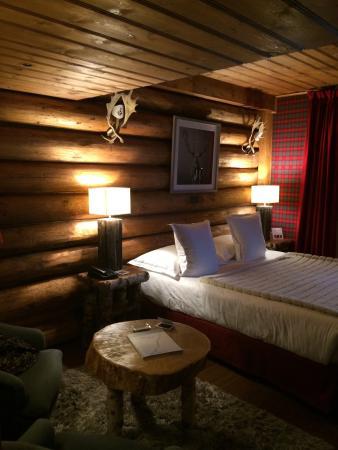 Lodge Park : Room 211