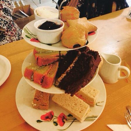 Northney Farm Tea Rooms: Afternoon tea