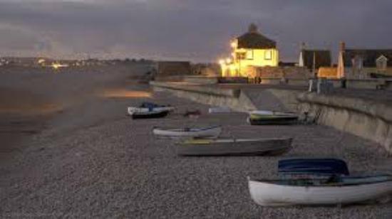 Beach House : Chesil Beach, Chiswell