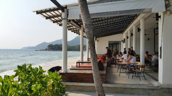 Baan Talay Resort : Restaurant vue sur la mer