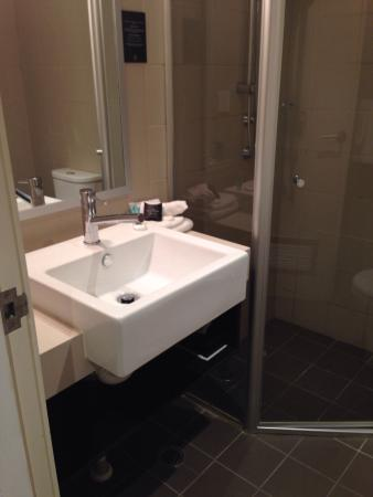Royal Pacific Hotel: Clean and fresh!