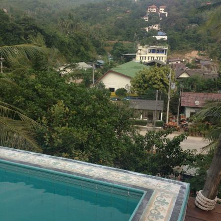 Koh Tao Toscana: Here is what the pool actually looks over
