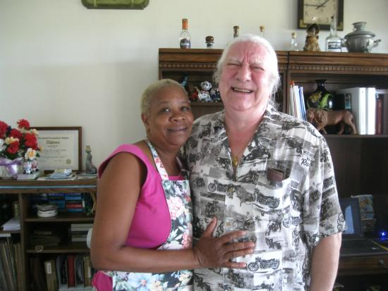 Zamaca Bed & Breakfast: Ellen & John