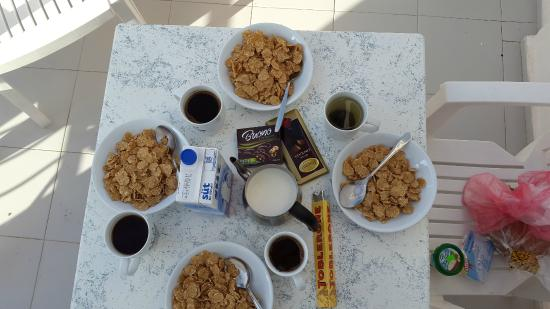 Paradise Apart Hotel: perfect breakfast on the terrace