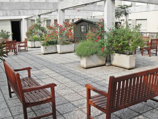 Terrazzo fiorito - Picture of Hotel Residence Italia, Pordenone ...