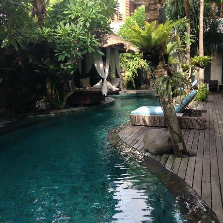 The Dipan Resort Petitenget: Communal Pool