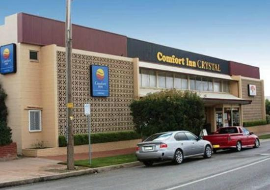 Golden Lotus Room: We are situated inside the Comfort Inn Crystal Motel, just past the reception.