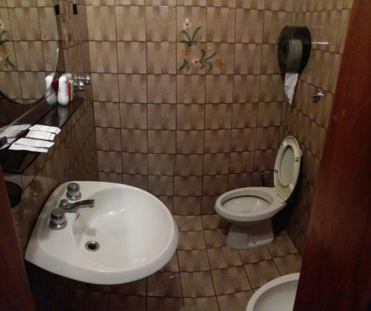 Hotel Hermes: baño