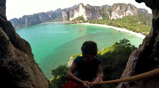 Real Rocks Railay - Day Adventures: Abseiling from the viewpoint