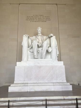 Interviajes NY: Monumento al Presidente Lincoln