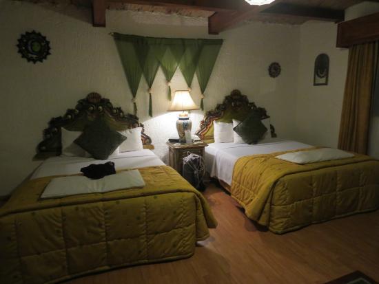La Mansion del Sol : Queen Bedroom