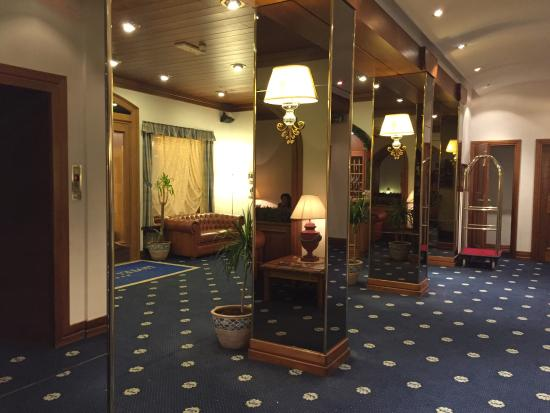 Hotel Majoni: Ingresso
