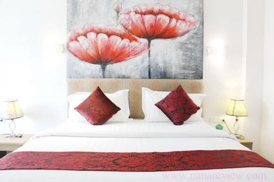 Roseate Hotel: room