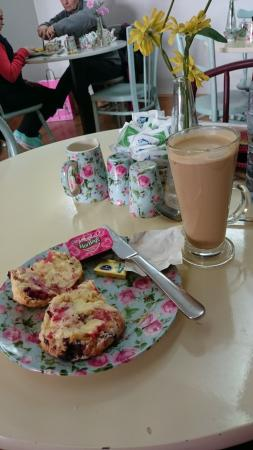 Savoury Fare: Coffee and raspberry scone