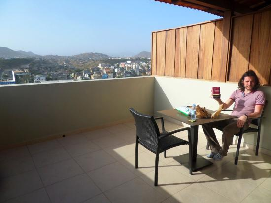 Praia Confort : This is the big balcony complete with furniture so you can really enjoy it.