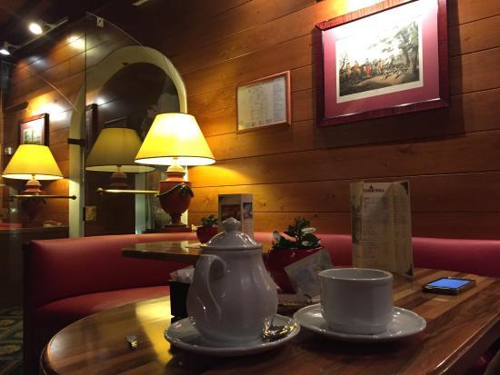Hotel Majoni: Bar dell' albergo