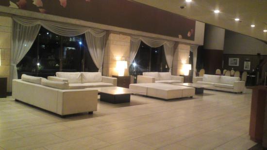 Hotel Princess Garden: 白のソファーがいい感じ