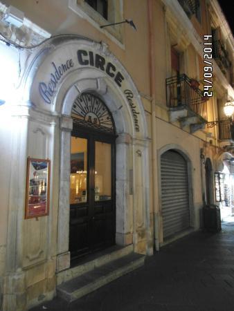 Hotel Residence Circe: A fachada.